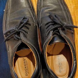 Dockers Shoes - Slightly worn size 8 black Dockers
